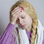 寝起きに起こる頭痛と吐き気は何が原因なの?